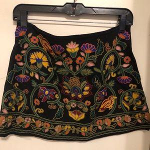 Zara embroidered mini skirt // size medium